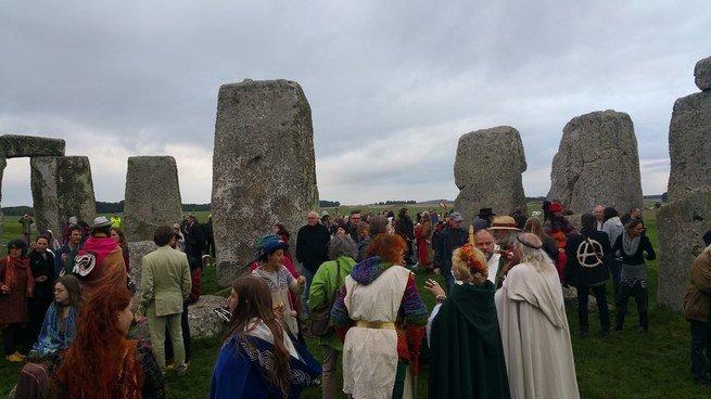 Celebración del Equinoccio de otoño en Mabon y Stonehenge