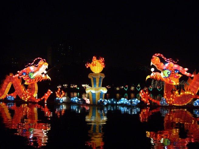 Celebración del Festival del medio otoño en China
