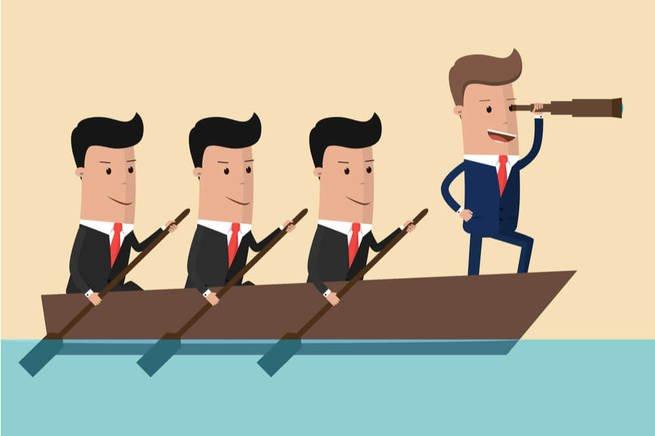 chefe na liderança do barco