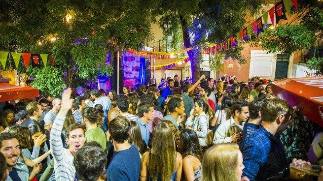 Jovens nas festas populares