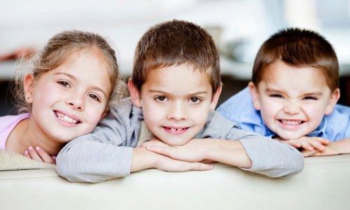 três irmãos